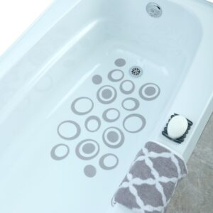 Gray Oval Bath Treads in Tub