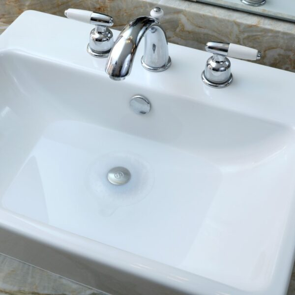 Seal-Tight-Drain-Stopper-White-Pearl-Bathroom-Sink-Use